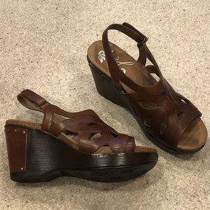 EUC Dansko Wedge Sandals